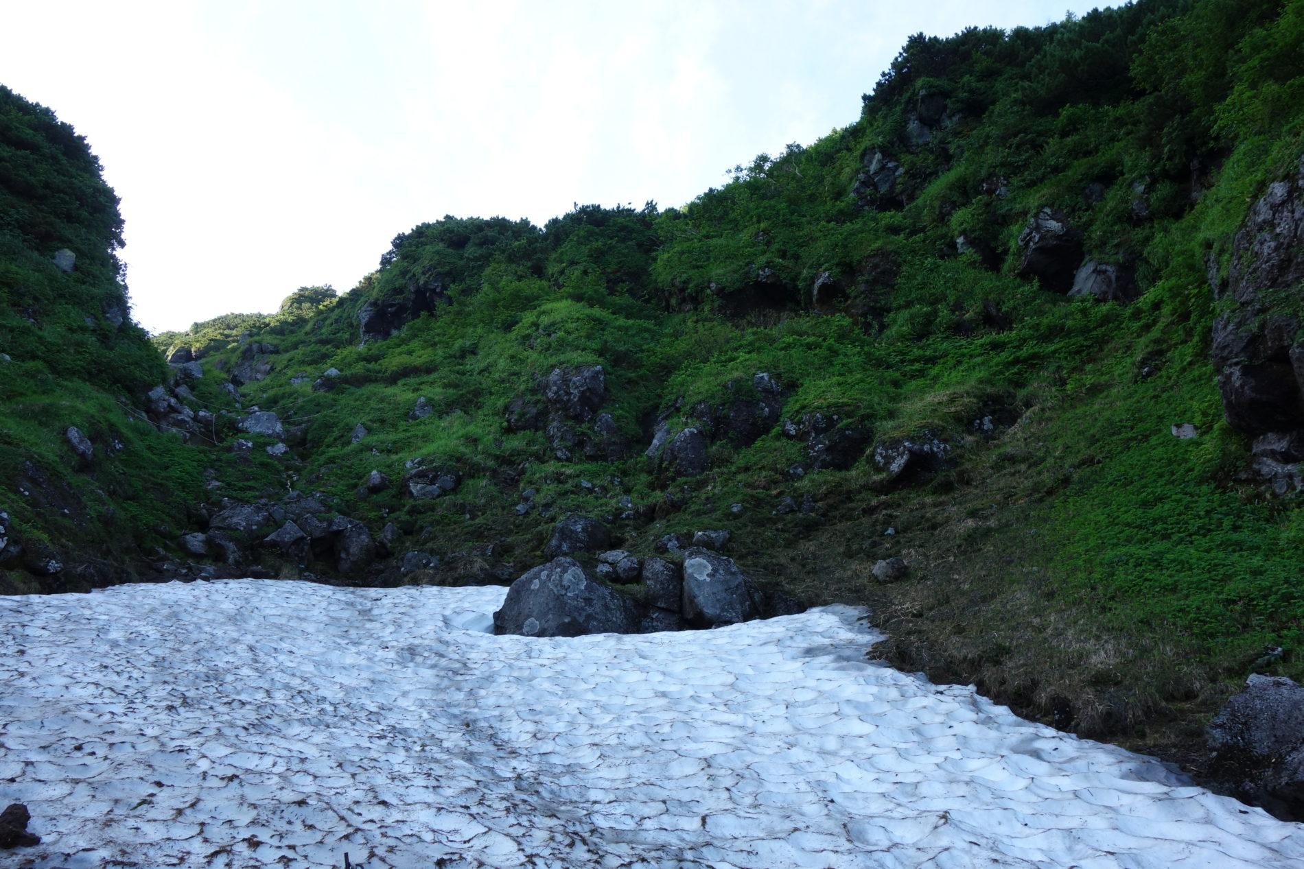 羅臼岳,万年雪