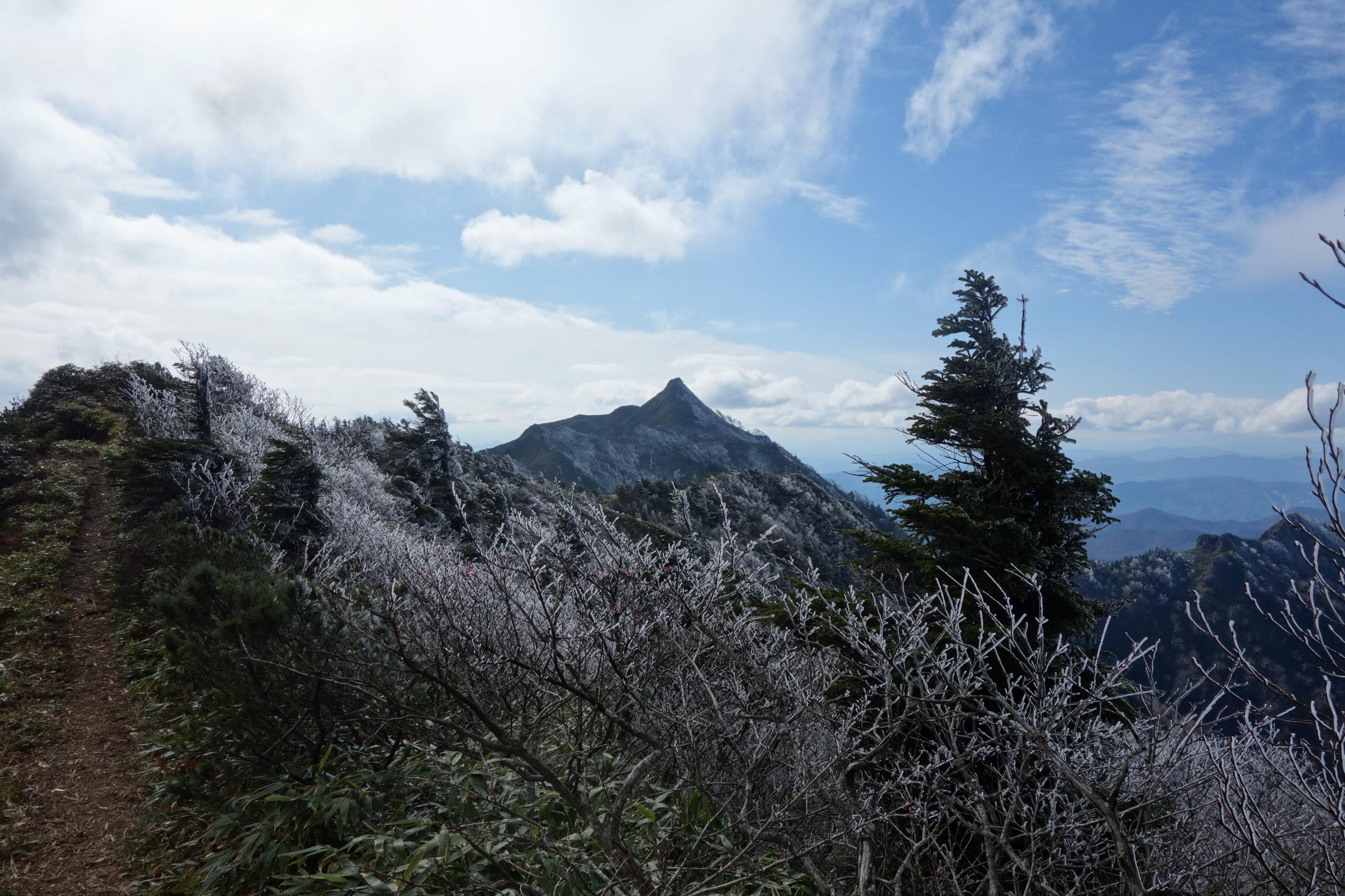 武尊山 武尊山山頂〜下山