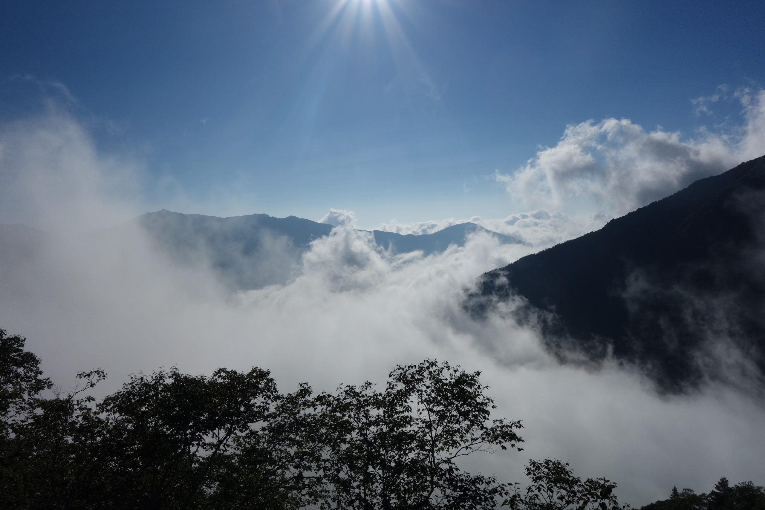 北岳 広河原山荘テント場〜北岳肩の小屋
