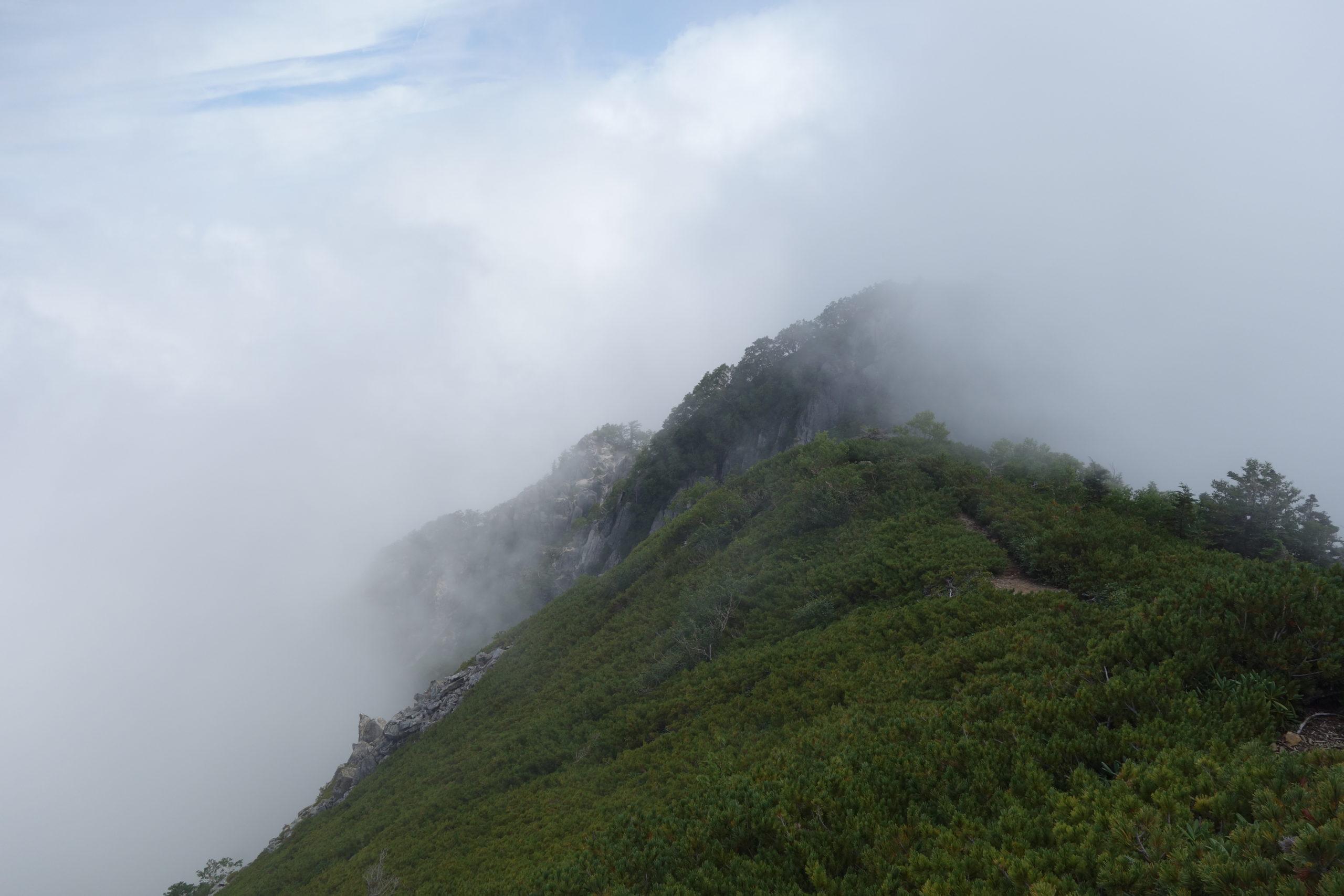 鳳凰三山地蔵岳 白凰峠〜高嶺〜地蔵岳