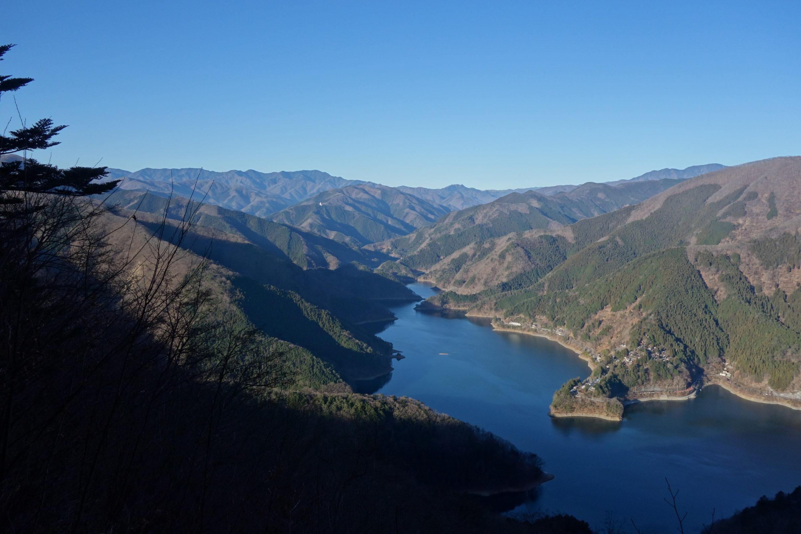 大岳山 奥多摩湖〜御前山