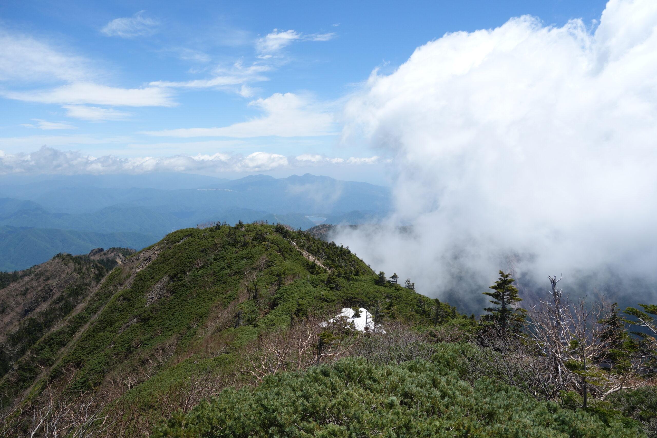女峰山 山頂〜下山